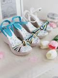 2011年经典时尚坡跟系列弥漫全球