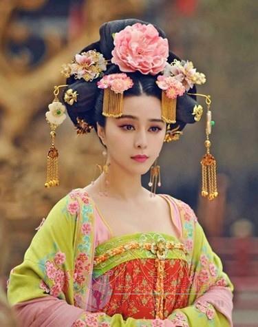 唐朝服饰_透过武媚娘着装看唐朝服饰装扮